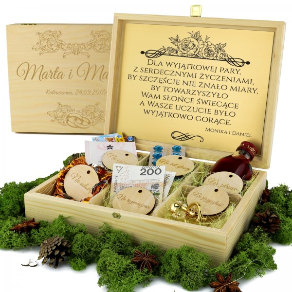 Spersonalizowane pudełko z przegródkami na prezent dla nowożeńców